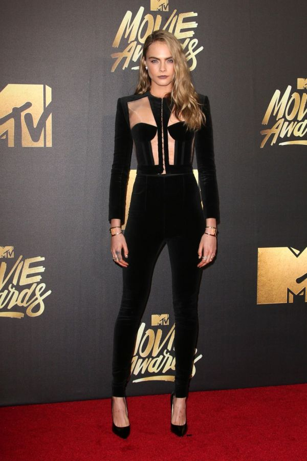Burbank, CA - April 09 Cara Delevingne Attending 25th Annual MTV Movie Awards at Warner Brothers Studios On April 09, 2016., Image: 281125535, License: Rights-managed, Restrictions: , Model Release: no, Credit line: Profimedia, Face To Face A
