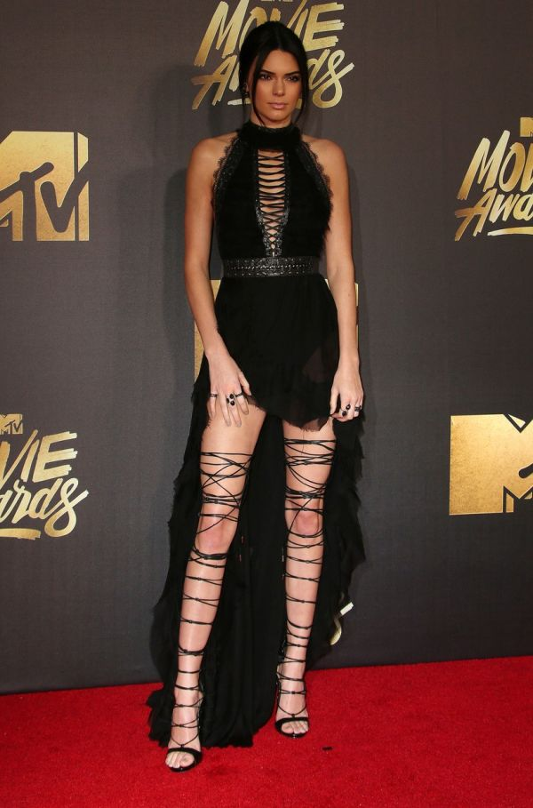 09 April 2016 - Burbank, California - Kendall Jenner. 2016 MTV Movie Awards held at Warner Bros. Studios. Photo Credit: Sammi/AdMedia *** Please Use Credit from Credit Field ***, Image: 281108063, License: Rights-managed, Restrictions: *** France OUT ***, Model Release: no, Credit line: Profimedia, SIPA USA
